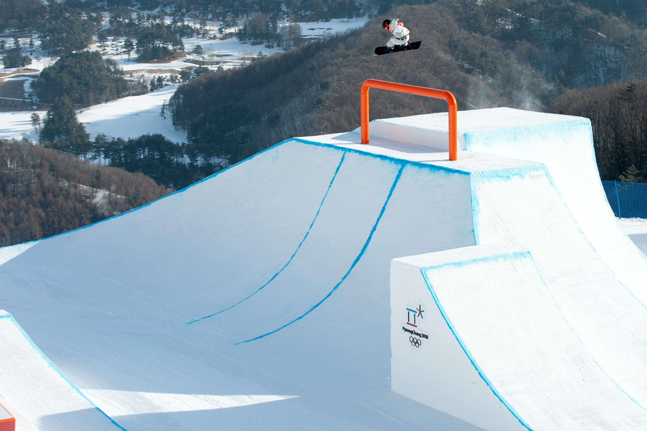 Olympics - Snowboarding: Norway and Canada dominate men's snowboard slopestyle qualification